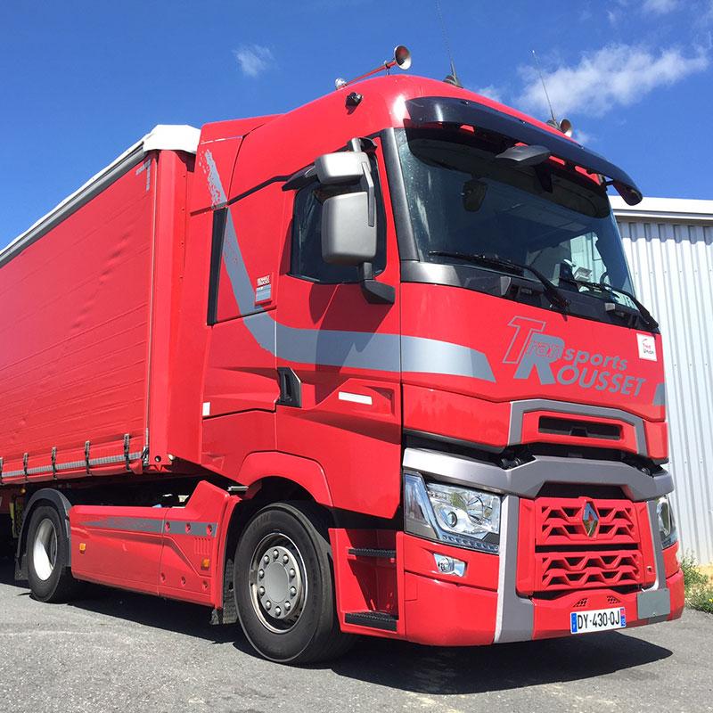Un camion de l'entreprise Transports Rousset